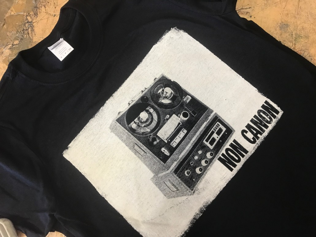 Single colour band merch print using discharge ink for Single shirt screen printing